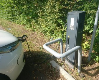 Renault Zoe charging at ICU Allego Charge Point